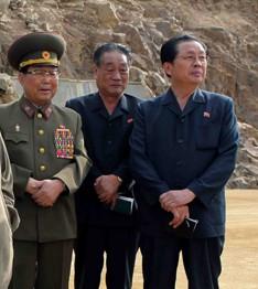 VMAR Kim Yong-chun, Pak Nam-gi and Mr. Jang at a guidance visit to the Huichon Power Station, mid-September 2009 (Photo: KCNA).