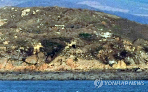 Seen here is a coastal stronghold in the North Korean county of Kangnyong on the west coast. This is a file photo taken from Yeonpyeong Island. (Photo: Yonhap)
