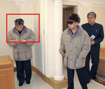 Han Kwang Sang (annotated) attends Kim Jong Il's (C) January 2010 guidance tour of the Hyangsan Hotel.  Also seen in attendance is KWP Deputy Department Director and architect Ma Won Chun (R) (Photo: KCNA)