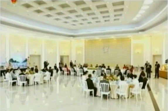Overview of a banquet hall in the KWP Central Committee complex in central Pyongyang, the venue of a banquet hosted for the US basketball delegation by the DPRK Olympic Committee (Photo: KCTV screengrab)