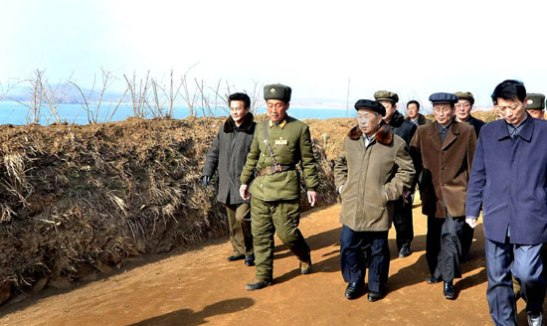DPRK Cabinet Premier Choe Yong Rim (3rd L) tours the Mu Islet Hero Defense Detachment (Photo: Rodong Sinmun)