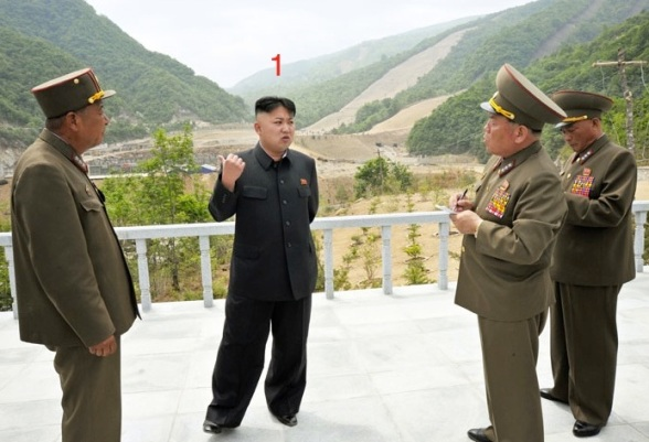 Kim Jong Un (1) tours the construction of the Masik Pass ski grounds in Kangwo'n Province (Photo: Rodong Sinmun).