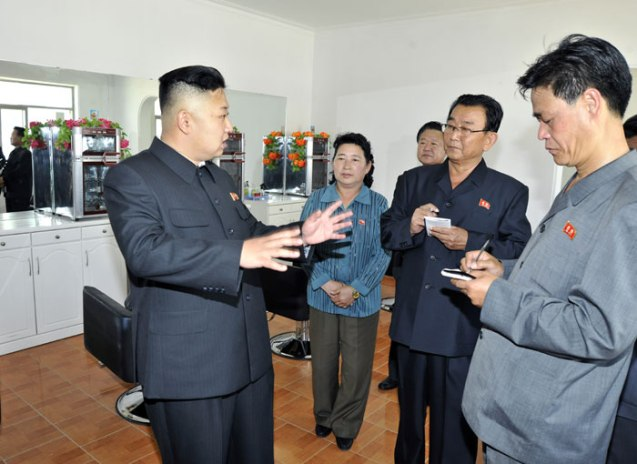 Kim Jong Un tours Undok Health Complex in Ch'angso'ng County, North P'yo'ngan Province (Photo: Rodong Sinmun).