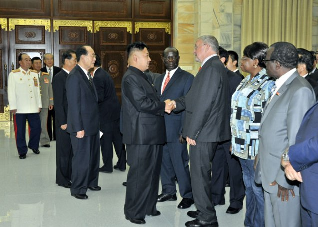 Kim Jong Un and members of the DPRK's core political leadership greet the heads of foreign delegations visiting the country to commemorate the 60th anniversary of termination of the Korean War's active hostilities (Photo: Rodong Sinmun).