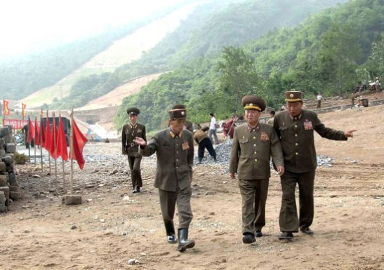 VMar Choe Ryong Hae (C), Director of the KPA General Political Department, tours the construction of the Masik Pass Ski Resort in Kangwon Province (Photo: Rodong Sinmun).