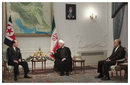 SPA Presidium President Kim Yong Nam (L) meets with the new Iranian President Hassan Rohani (C) in Tehran on 3 August 2013 (Photo: Iran President's Office).