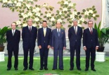 Kim Yong Nam poses for a commemorative photo with ICRC President Peter Maurer and a delegation of the International Committee of the Red Cross at Mansudae Assembly Hall in Pyongyang on 22 August 2013 (Photo: KCNA).