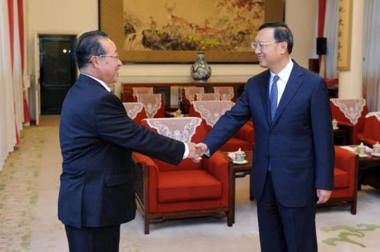 Chinese State Councilor Yang Jiechi (R) meets with Kim Kye Gwan, first vice foreign minister of the Democratic People's Republic of Korea (DPRK) in Beijing, capital of China, Sept. 17, 2013. (Xinhua/Zhang Duo)