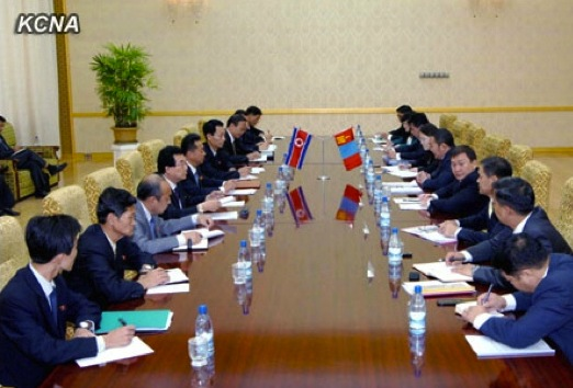 The 9th meeting of the DPRK-Mongolian Consultative Committee on Economy, Trace, Science and Technology held at Mansudae Assembly Hall in Pyongyang from 25 to 26 September 2013 (Photo: KCNA).