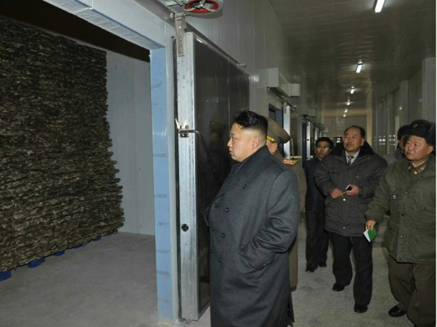 Kim Jong Un inspects a seafood refrigeration facility recently constructed by KPA Unit #534 (Photo: Rodong Sinmun).