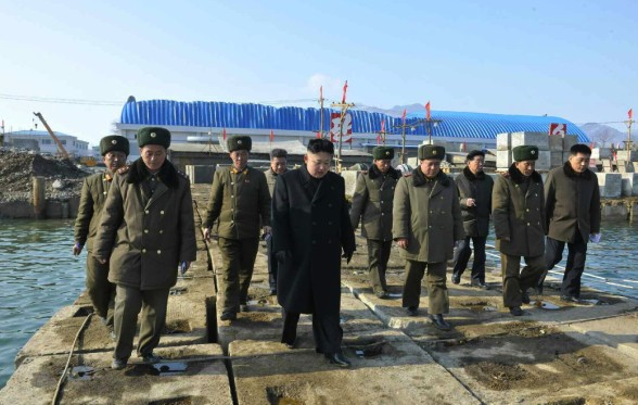 Kim Jong Un tours the construction of the 8 January Fishery Station (Photo: Rodong Sinmun).