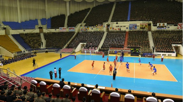 A volleyball game between the Kalmaegi and Jebi teams, held to mark the birth anniversary of late leader Kim Jong Il (Photo: Rodong Sinmun).