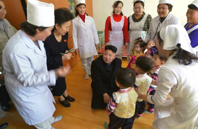 Kim Jong Un meets the children and employees of a Pyongyang orphanage and baby home (Photo: Rodong Sinmun).