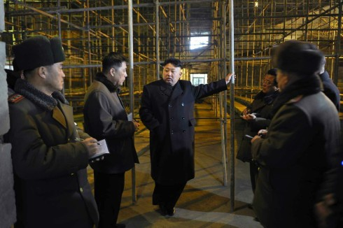 Kim Jong Un tours a construction site at Songdowon International Children's Camp (Photo: Rodong Sinmun).