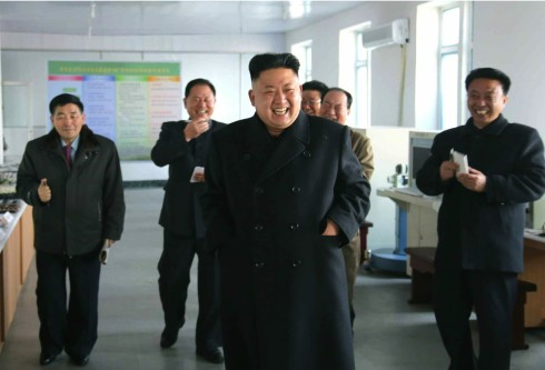 Kim Jong Un visits the Pyongyang Weak Current Apparatus Factory (Photo: Rodong Sinmun).