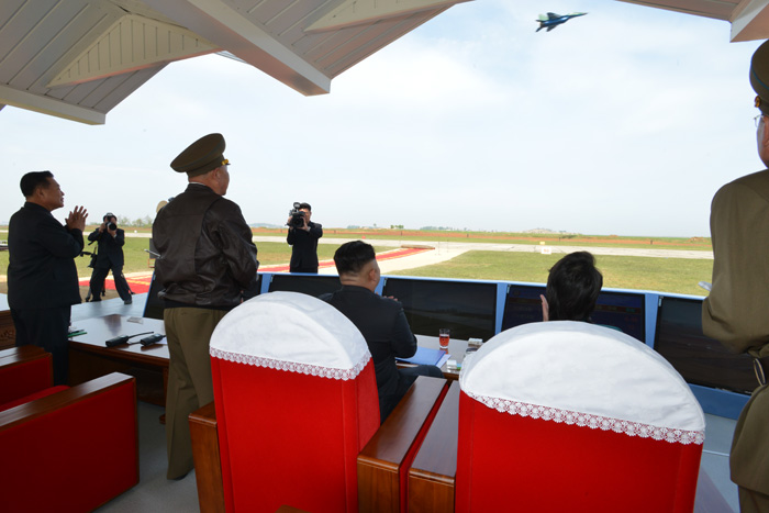Kim Jong Un watches the flight drill competition