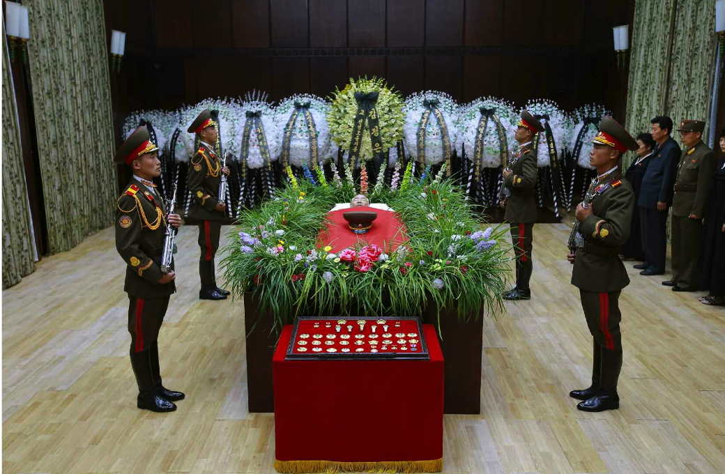 Jon Pyong Ho lies in repose at Sojang Club in Pyongyang (Photo: Rodong Sinmun).