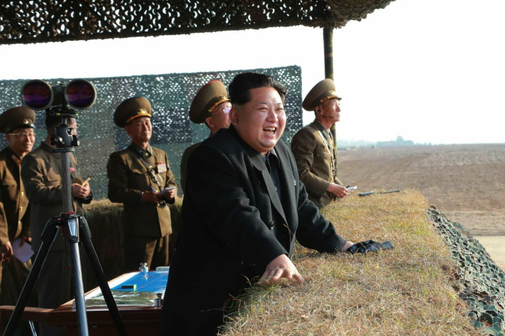 Kim Jong Un watches live fire anti-air rocket drills (Photo: Rodong Sinmun).