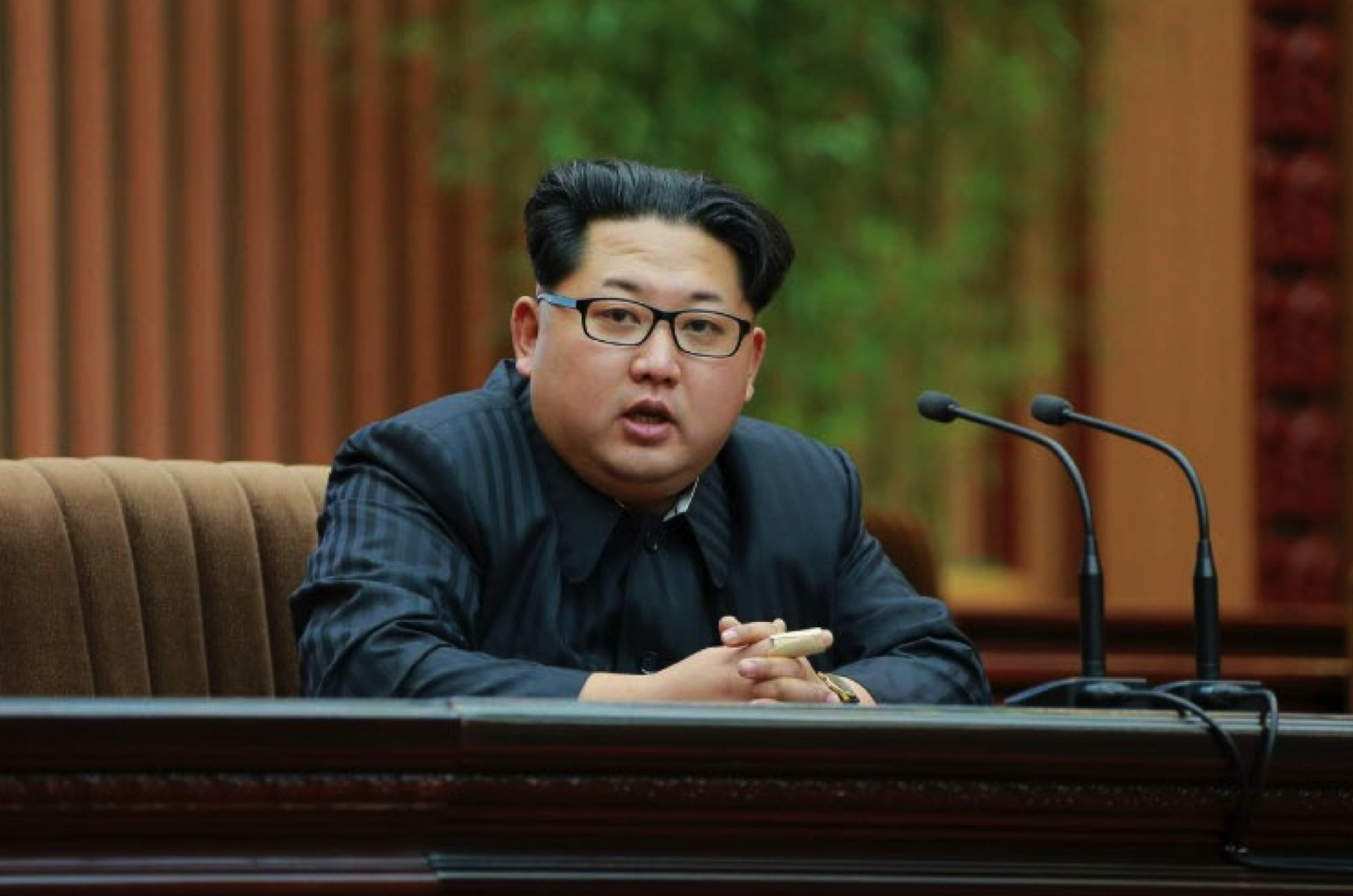 Kim Jong Un addresses personnel involved in the launch of the Kwangmyo'ngso'ng-4 at the Mansudae Assembly Hall in Pyongyang on February 17, 2016 (Photo: Rodong Sinmun).