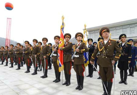 A KPA honor guard at the statue unveiling ceremony at Kunja-ri Revolutionary Site (Photo: KCNA).