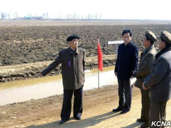DPRK Premier Pak Pong Ju (1) visits Omgot Co-op Farm in Anak County, South Hwanghae Province (Photo: KCNA).