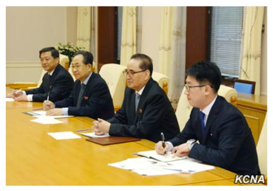 Ri Su Yong (second right) meets with a delegation of the Mozambique Liberation Front Party in Pyongyang on May 24, 2016 (Photo: KCNA).