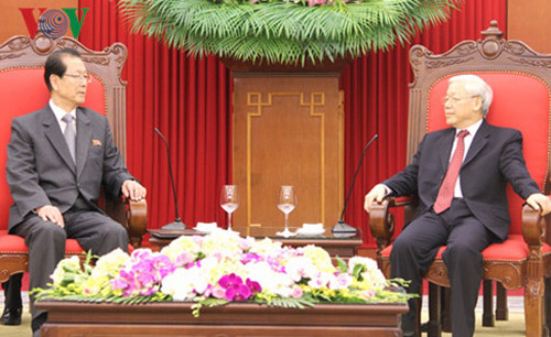 Choe Tae Bok talks with Communist Party of Vietnam General Secretary Nguyen Phu Trong on June 6, 2016 (Photo: VOV/VNA).