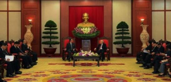 Choe Tae Bok talks with CPV General Secretary Nguyen Phu Trong in Hanoi on June 6, 2016 (Photo: Rodong Sinmun).